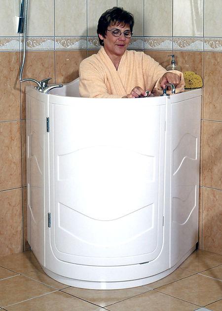 Pflegebadewanne-mit-Dusche.jpg.jpg