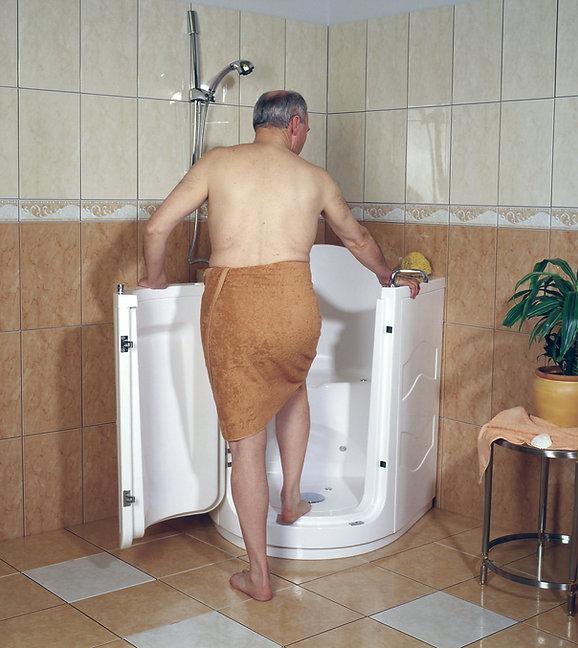 Begehbare-Pflegebadewanne-mit-Tuer.jpg
