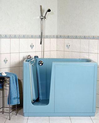 behindertengerechte-badewanne-mit-tuer.j