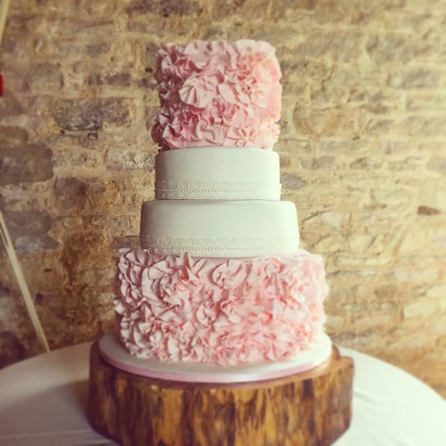 24 Unique Wedding Cake Designs