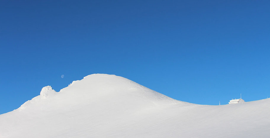 Mt Olympus, Greece, snow, photo by Yulia Dotsenko.