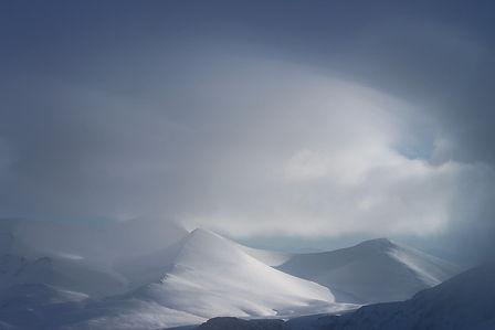 Winter storm, mountains, photo by Yulia Dotsenko
