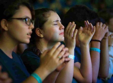 ഞങ്ങൾക്കു ദൈവത്തെ ആരാധിക്കാൻ പോകണം...!