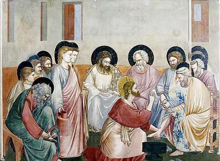 മനുഷ്യന്റെ കാലുപിടിക്കുന്ന ദൈവം