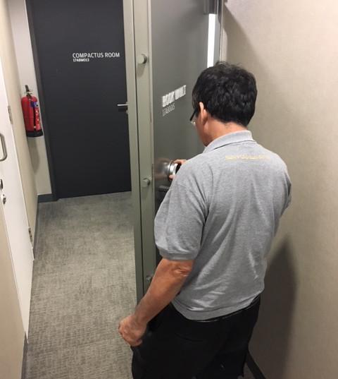 Vault door opening - onsite service of vault door