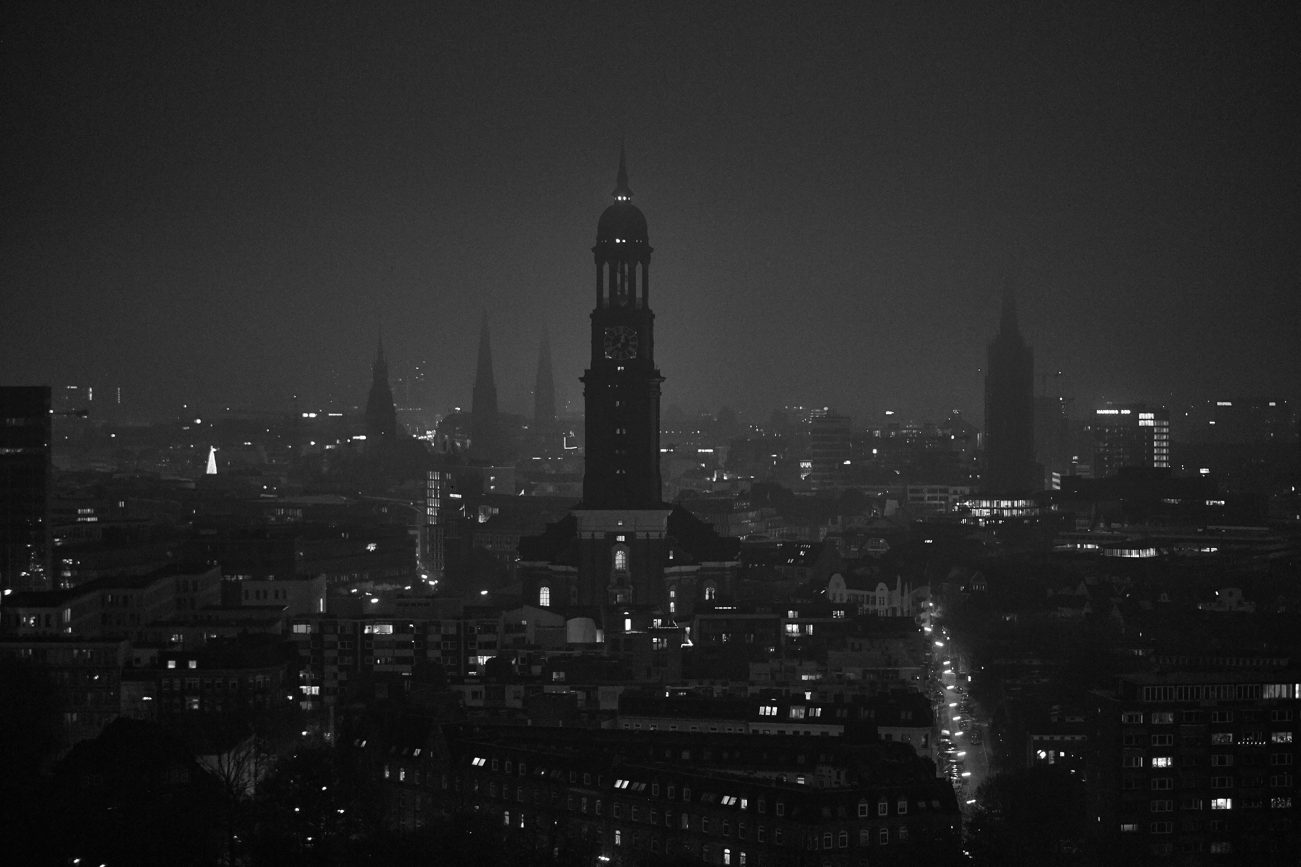 hamburg-cityfoto-nacht-jeffery-berlin-green