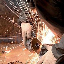 """Компания ООО """"МехЭнергоРемонт"""" осуществляет слесарные работы любой сложности на собственном оборудовании."""