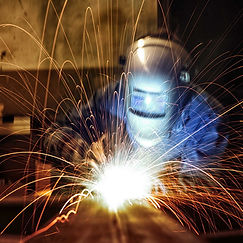 """Компания ООО """"МехЭнергоРемонт"""" выполняет сварочные работы любой сложности на собственном оборудовании в короткие сроки."""