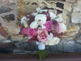 Svatba do růžova, Růže, Vřesovec, Hrachor, Astrantia, Eustoma