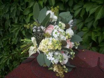 Svatba Růže, Matthiola, Scabiosa, Senecio
