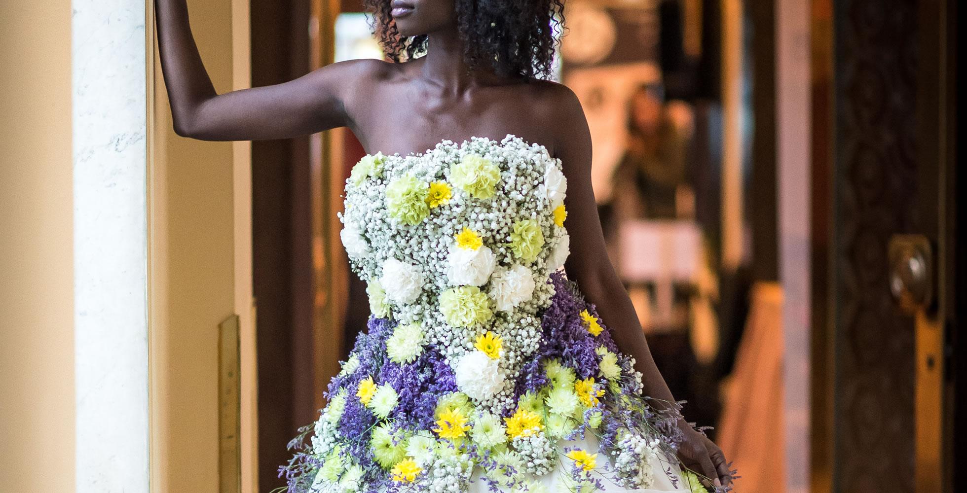 Svatební květinové šaty
