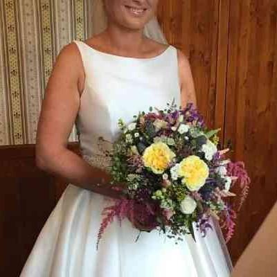 Svatební kytice více barev