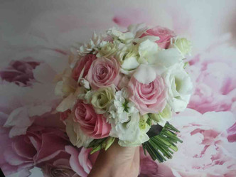 Svatba Růže, Eustoma, Matthiola, Dendrobium