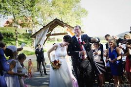 Dita a Petr, svatba v podzimních tónech, Růže, Matricarie, Astilbe, Celosie, Karafiáty, hotel Všetic