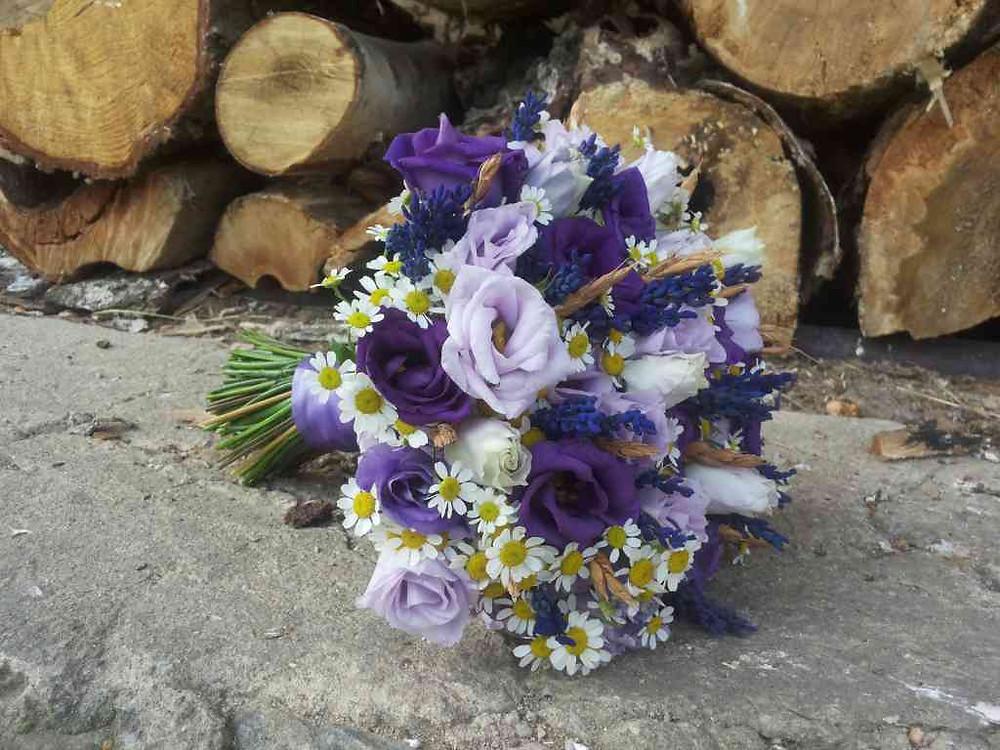 Svatební kytice Levandule, Eustoma, Heřmánek