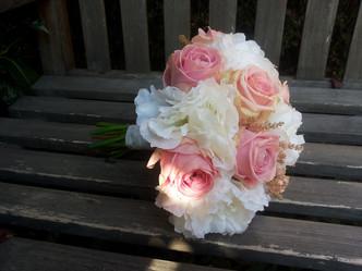 Svatba umělé Pivoňky, Růže, Astilbe