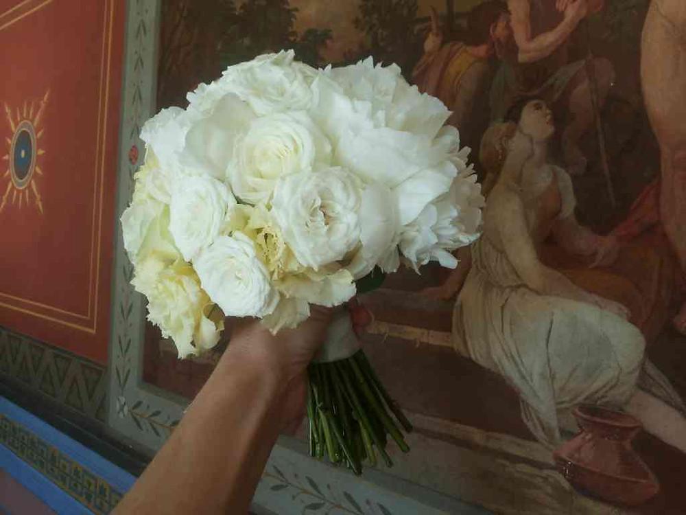 Svatební kytice Pivoňka, Růže, Eustoma