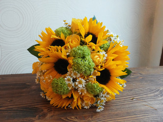 Svatba Slunečnice, Viburnum, Heřmánek, Růže
