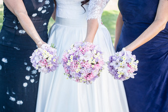 Svatba na Vinoři (Eustoma, Frézie, Matricarie, Bouvardie, Nevěstin závoj, Matthiola)
