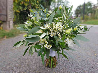 Svatba Eucalyptus, Waxflor, Eustoma, Oliva