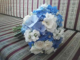 Svatba Ostrožka, Hortenzie, Frézie, Pomněnka, Matthiola, Růže