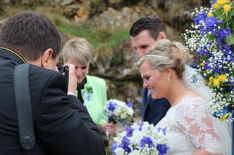 Svatba do modra v botanické zahradě Troja (Ostrožka, Hrachor a Eustoma)
