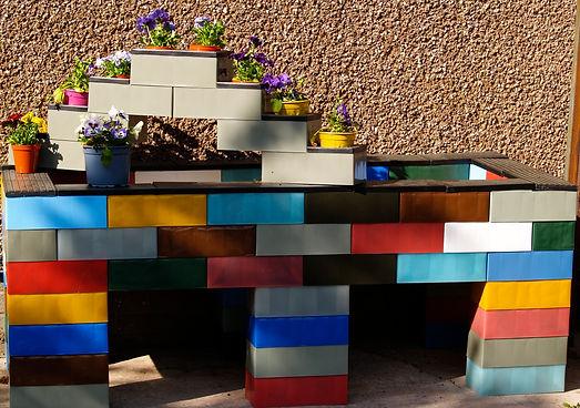 A planter/ children's raised sand pit.