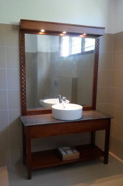 1br-bathroom-basin