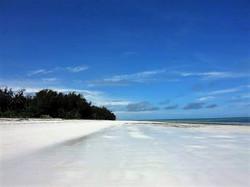 Simba_Village_beach_013