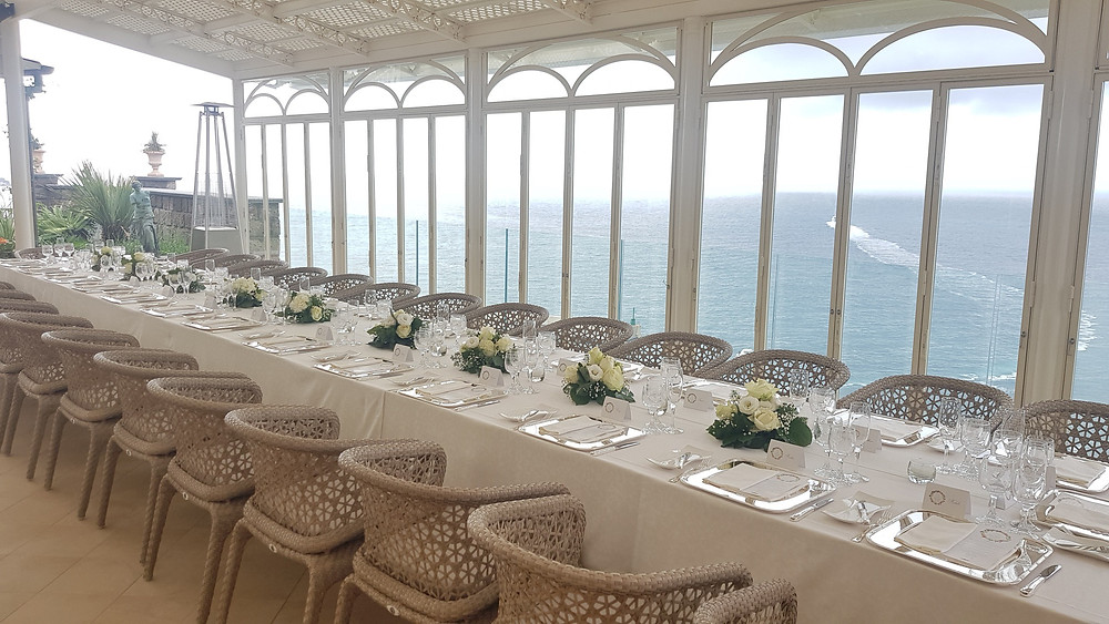 The à la carte restaurant La Terrasse Royal, from which you can enjoy a spectacular view of the gulf is perfect for small and intimate weddings