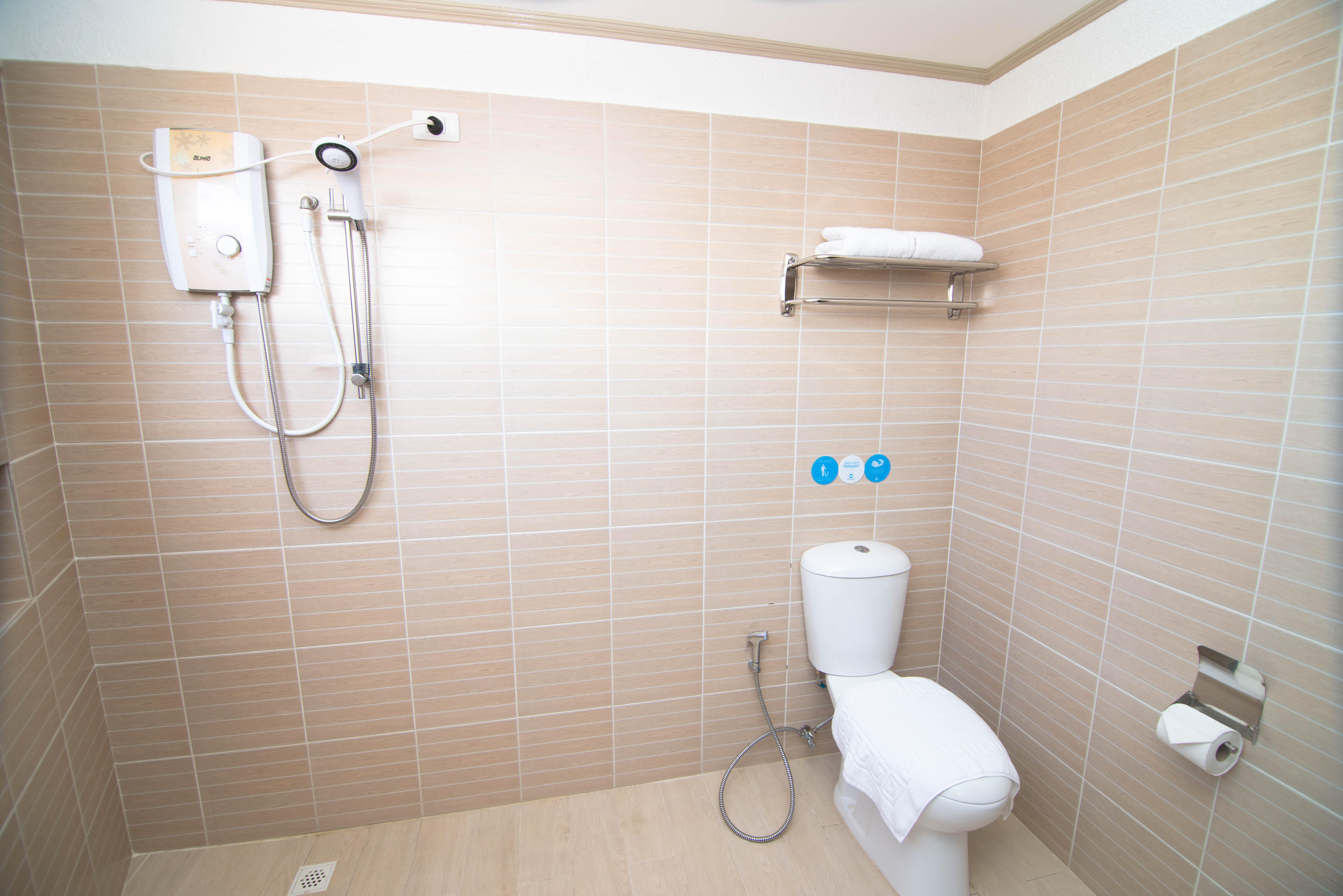 Junior Deluxe Room (Shower)
