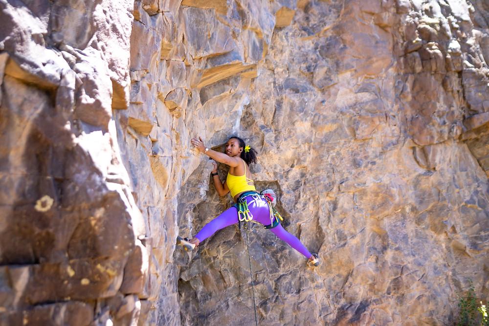 Favia Dubyk climbing