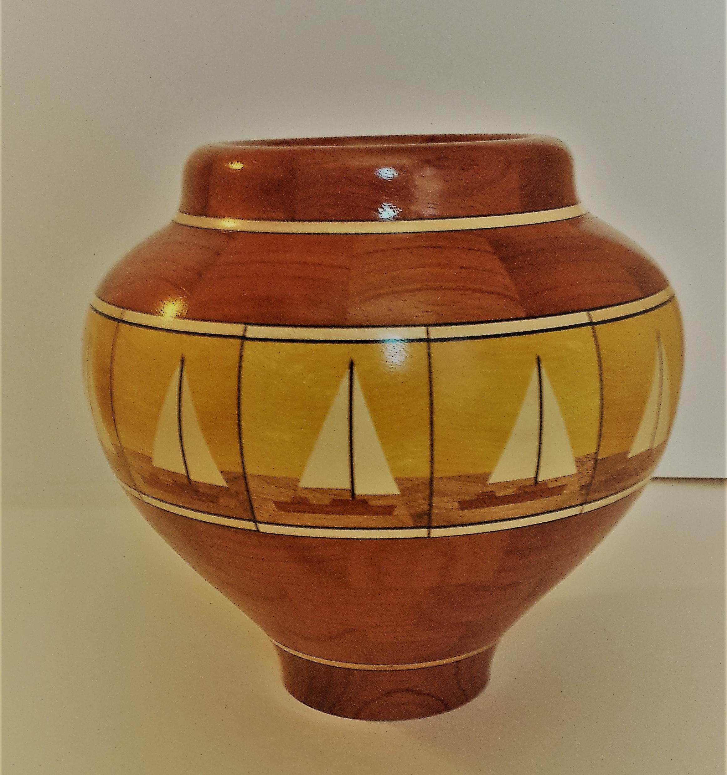 Vase Sail Away