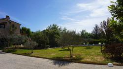 vu du parking sur jardin