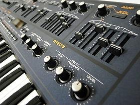 Roland-JP800 1.jpg