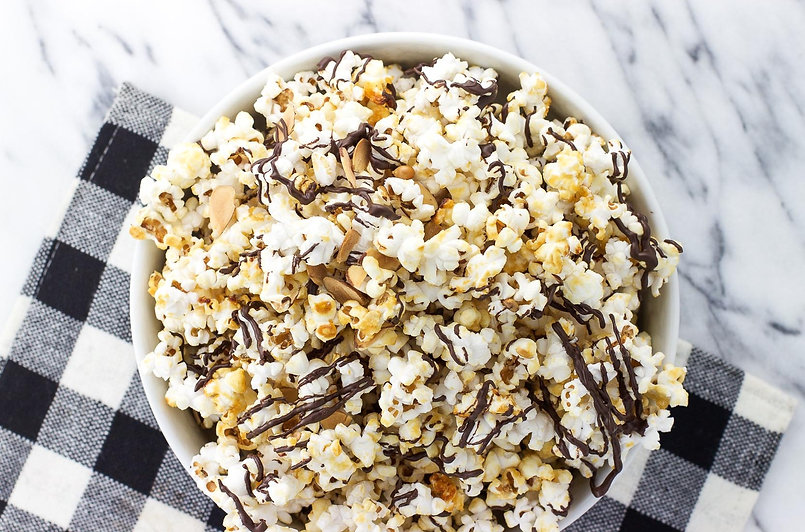 chocolate-drizzled-kettle-corn-with-almo