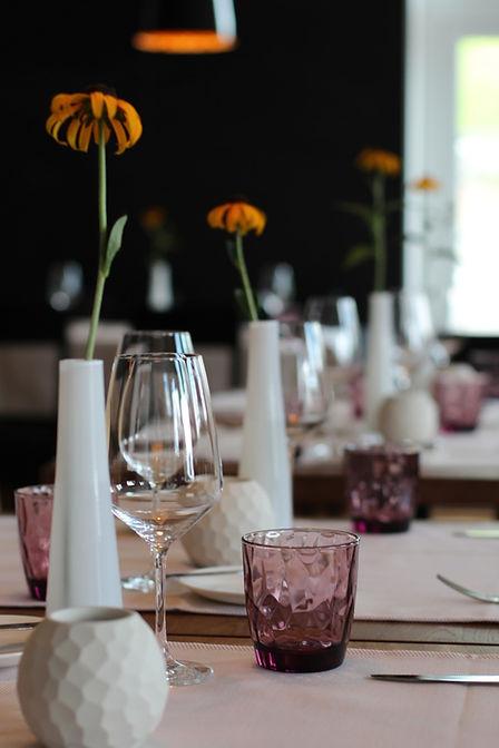 Restaurant Sonne Wildtal Gundelfingen bei Freiburg im Breisgau Gastraum Essen Feinschmecker regional Menü