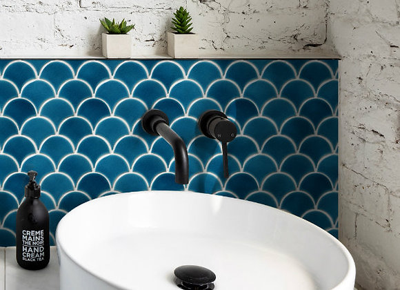 Atlantis Scallop Porcelain Ultramarine