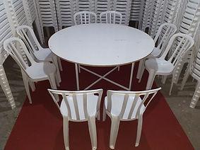 Conjunto de mesa com 8 lugares de plástico