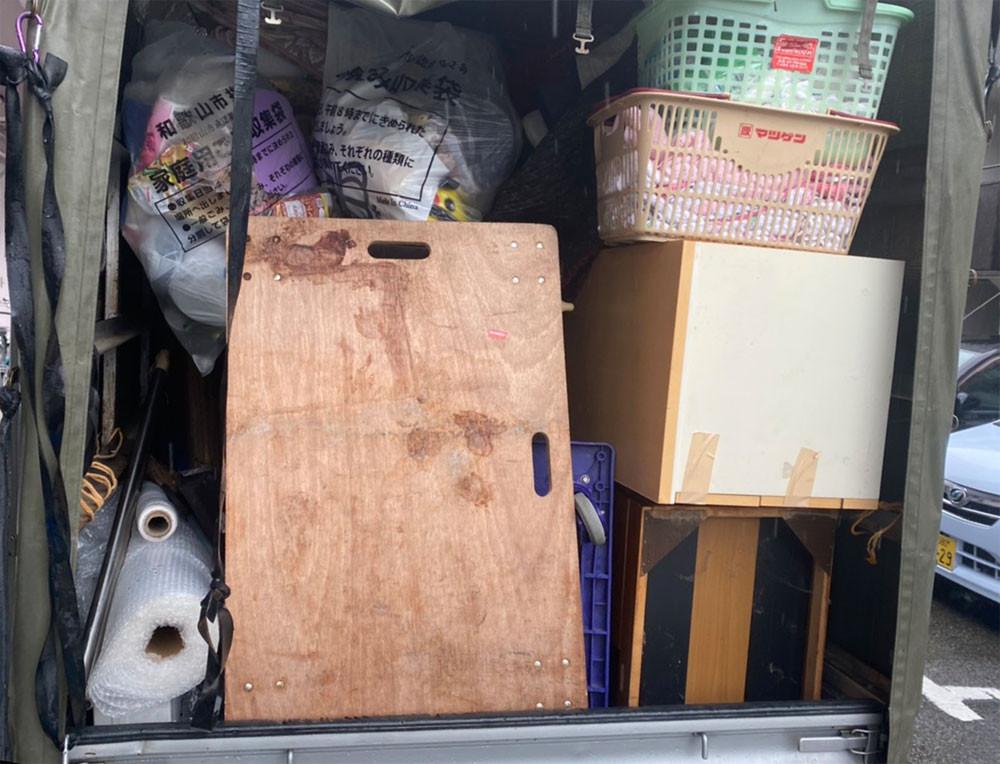 便利屋和歌山 引っ越し 荷物積み込み