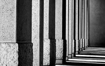 shadows-933640_1920.jpg