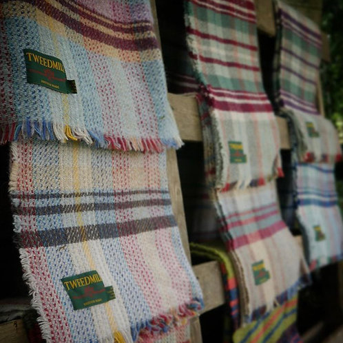 Recycled woollen blankets Package