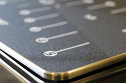 Aluminiumtrittplatte beim Bodyvibe Speed Vibrationstrainer