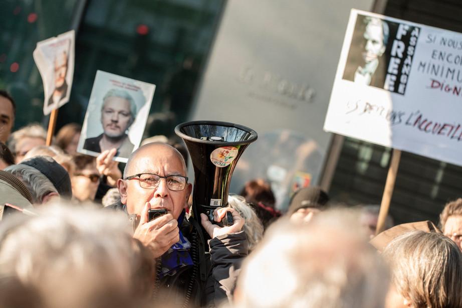 Rassemblement en soutien à Julian Assange