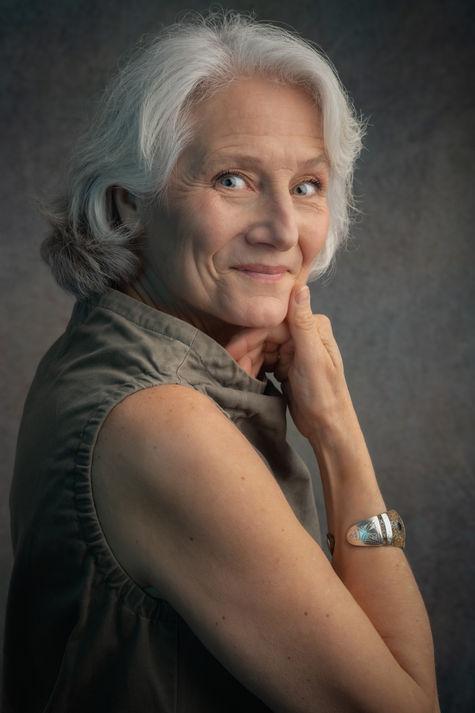 Portrait d'artiste peintre Amélie Grosset