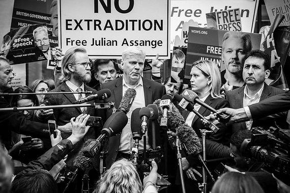 20190502 Gilets Jaunes à Londres pour Julian Assange