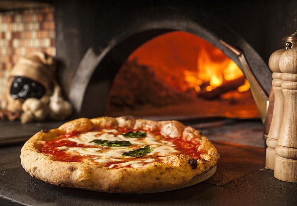 那不勒斯的披萨.jpg