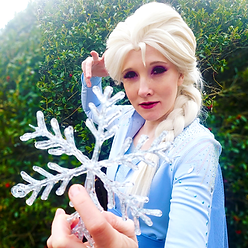 CosplayIceQueenNatalie.png