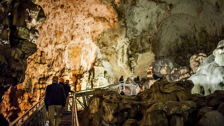 Traversata Notturna in Grotta