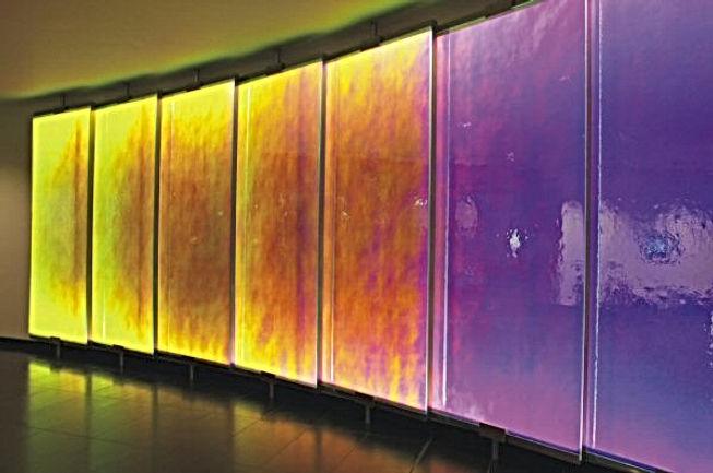 LED glass wall (600x398).jpg